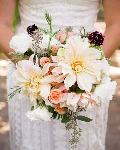 Beautiful big bloomed bridal bouquet | Jenny Demarco Photography