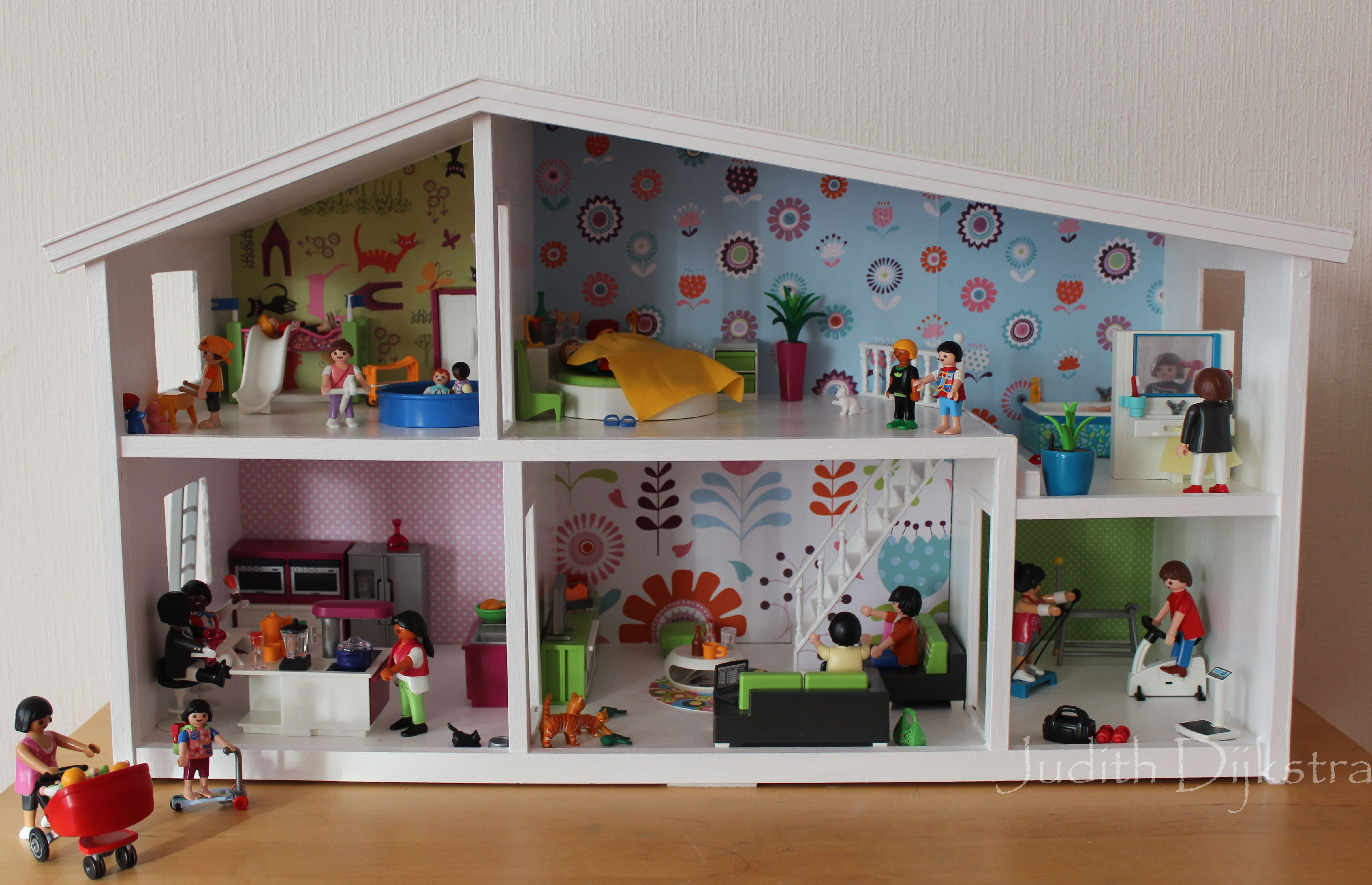 Dollhouse Playmobil Lundby Dollhouse With Playmobil Furniture Dollhouse Pinterest