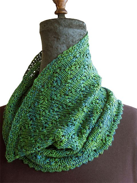 Ravelry: Clarine pattern by Laura Patterson