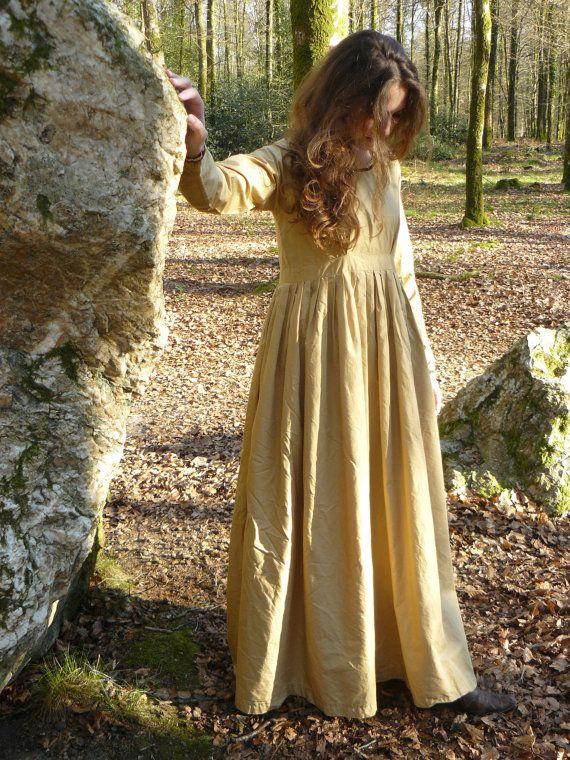 medieval-dress-fetish-cumming