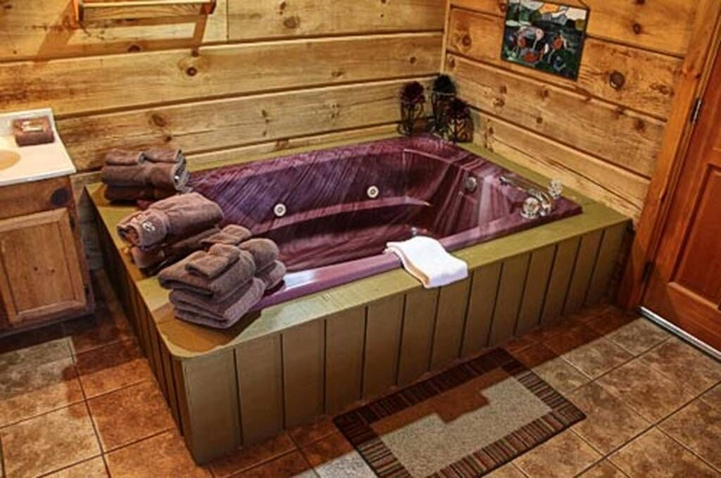 Hummingbird Haven 1 Bedroom Vacation Cabin Rental In Pigeon Forge Tn Indoor Jacuzzi Cabin Rentals Vacation Cabin Rentals