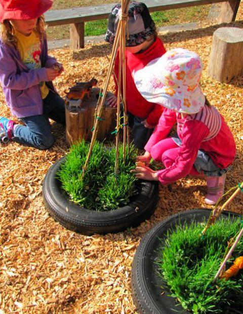 DIY Garten mit autoreifen als idee für Kinderspiele und - wasserspiel fur kinder im garten