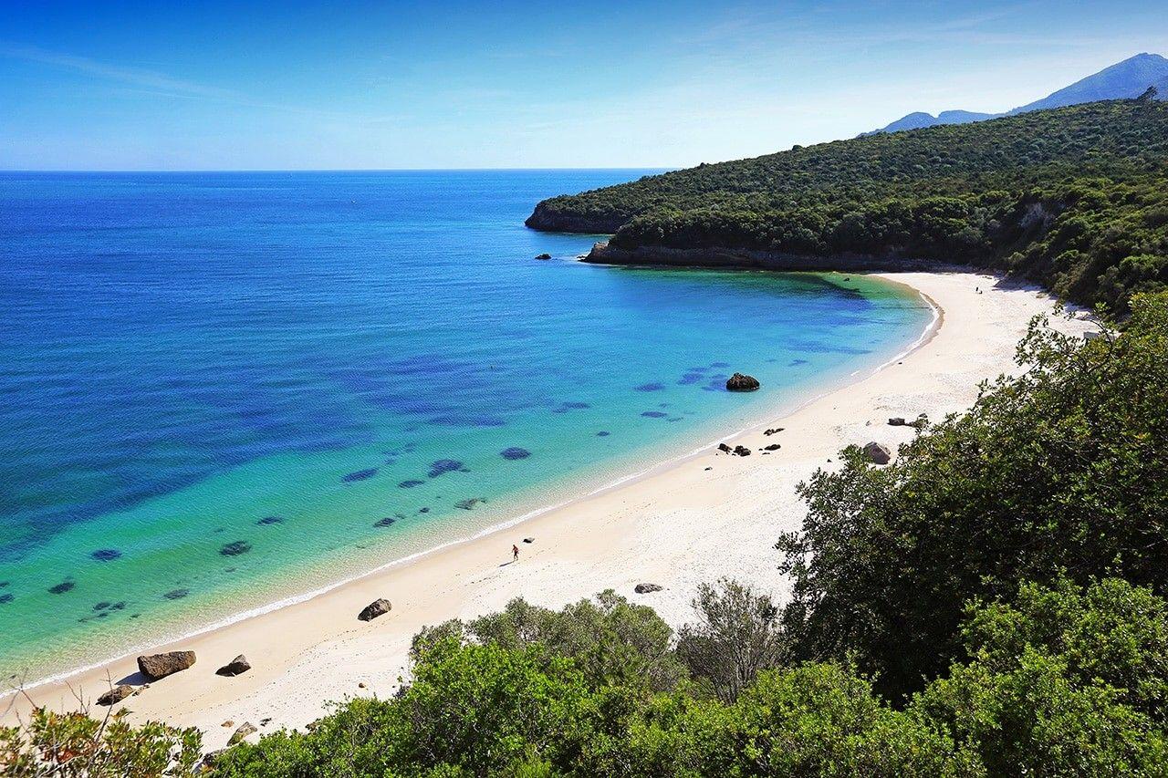 Este Verano Disfruta De Las Mejores Playas De Portugal Playas De Lisboa Viajes Portugal Portugal