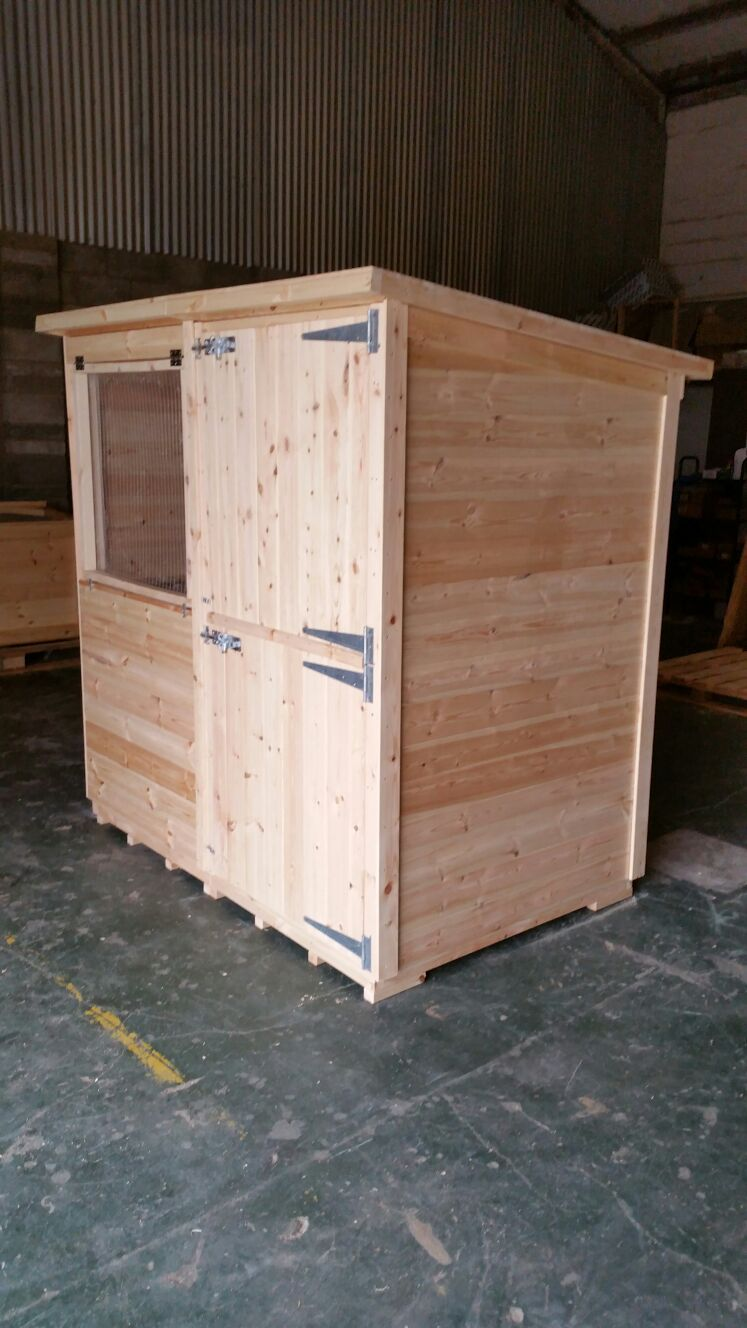 Bespoke 6X4X5ft Rabbit Shed with Opening windows and inner