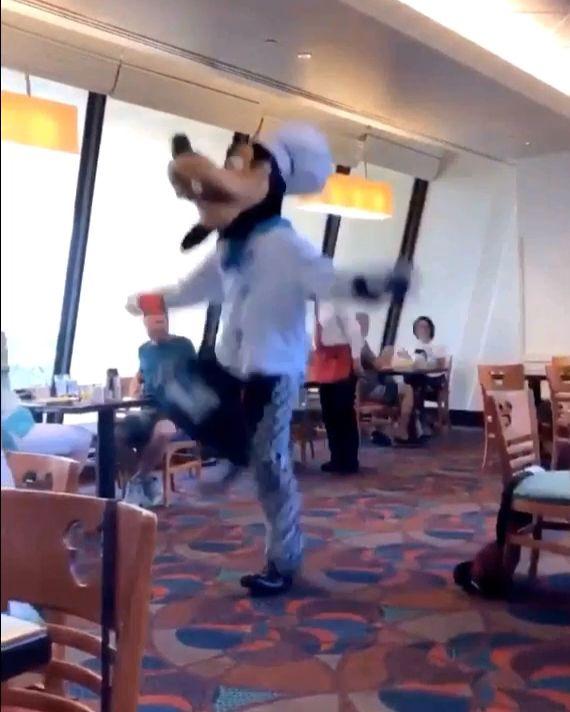 Photo of HABEN SIE NIE so viel Energie in einem Disney-Charakter gesehen?