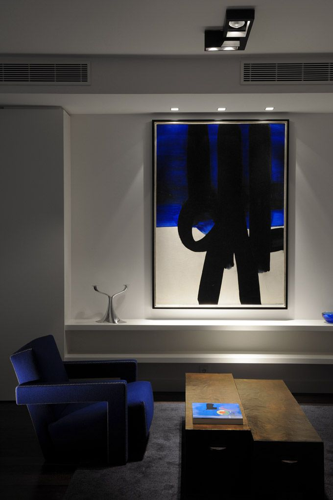 Private apartment in paris with kreon architectural for Plafondverlichting design