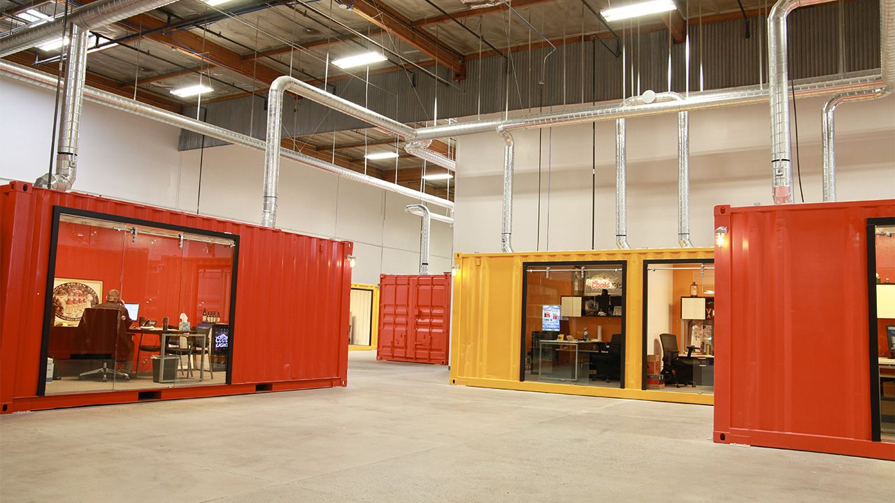 Ufficio A Container : Condo sales office built out of shipping containers pesquisa