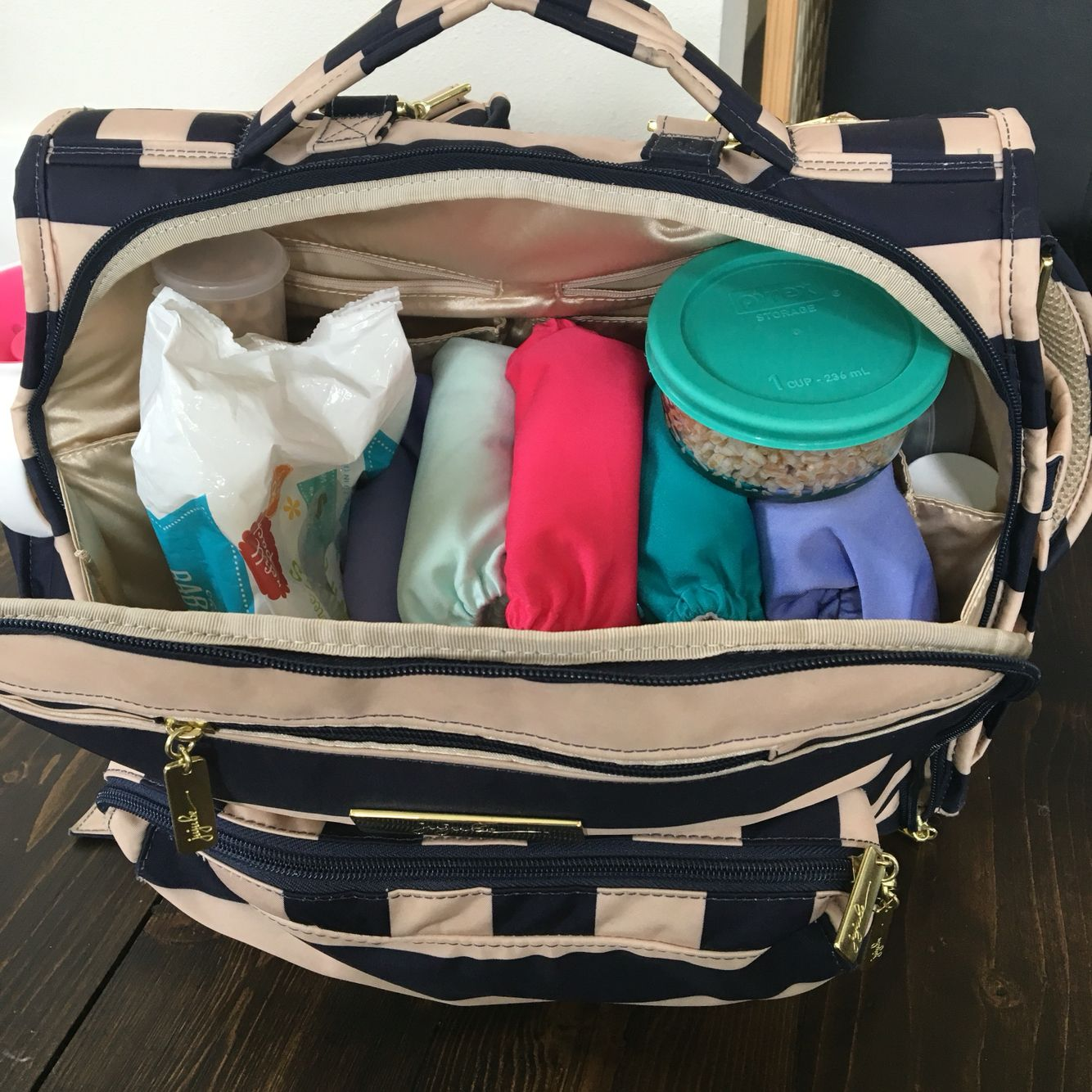 Packed Jujube Bff Diaper Bag With Cloth
