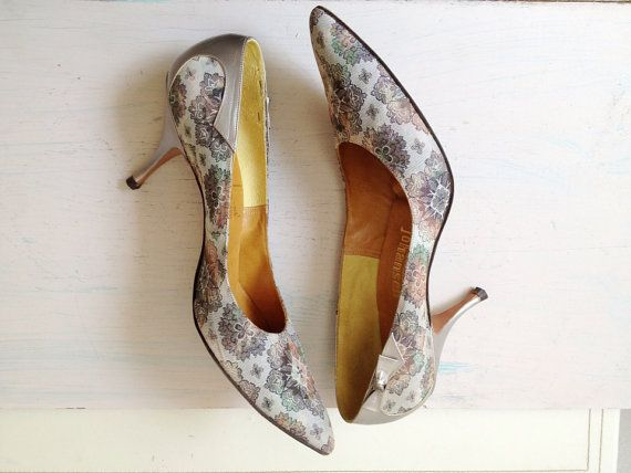 tapestry shoes / vintage tapestry heels / Silver by nocarnations, $32.00
