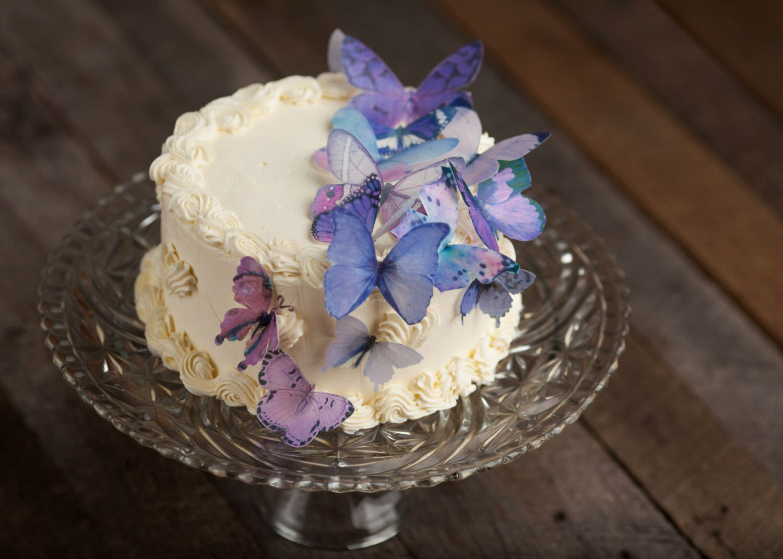 Edible Butterfly Lavender Purple Cake Cupcake Toppers Cake Etsy Butterfly Cakes Edible Butterfly Purple Cakes