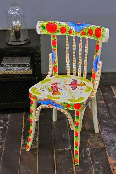 Dise os nicos sillas materas pintadas a mano decoractual dise o y decoraci n ideas para - Pintar sillas de madera ...