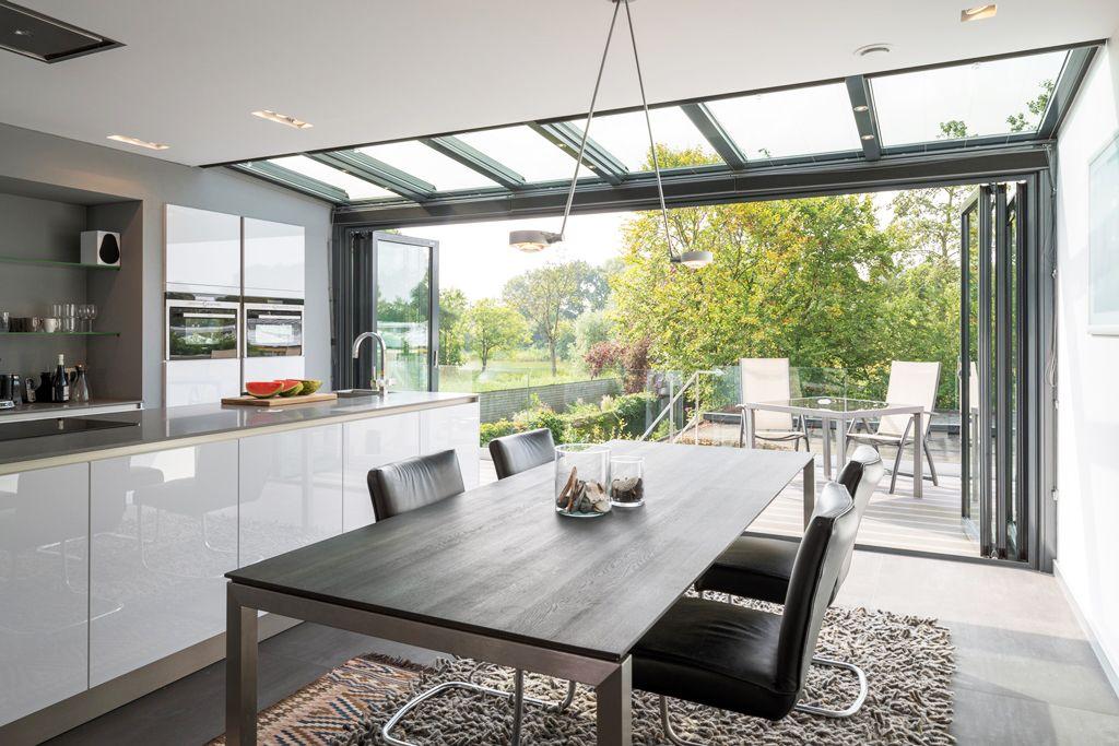 Vergroot uw terras met een prachtige solarlux serre en glazen