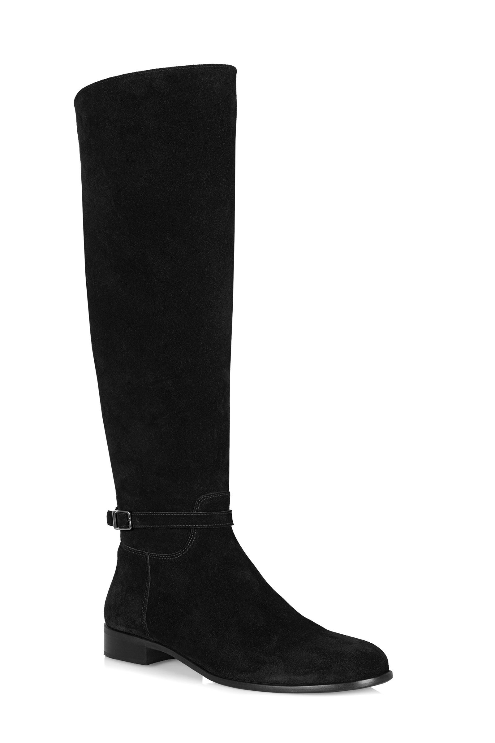 13 Weatherproof Shoes Disguised as Chic Black Boots