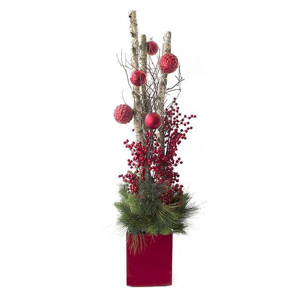 Arrangement illuminé avec bouleau, boules et baies, 5,5\u0027 , Décors  Véronneau. Decoration De Noel