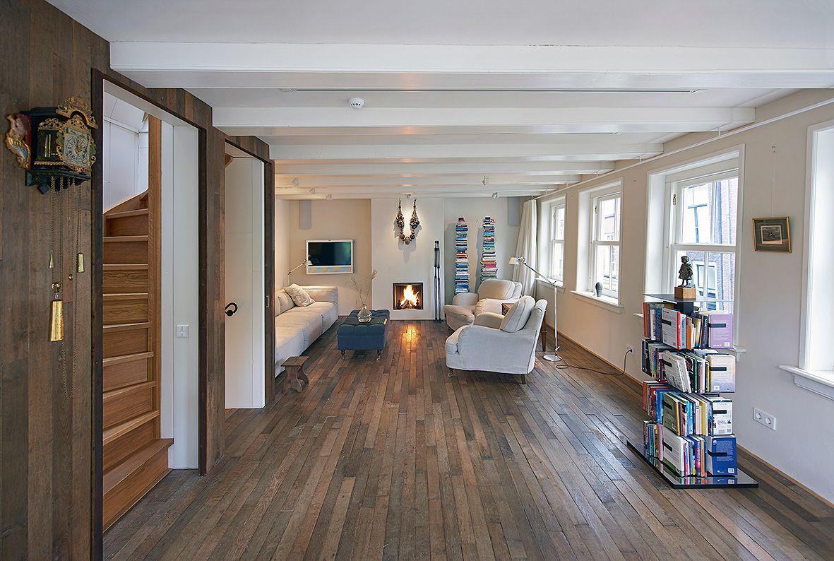 Herengracht   woonkamer vloerplanken trap inbouwkast livingroom ...