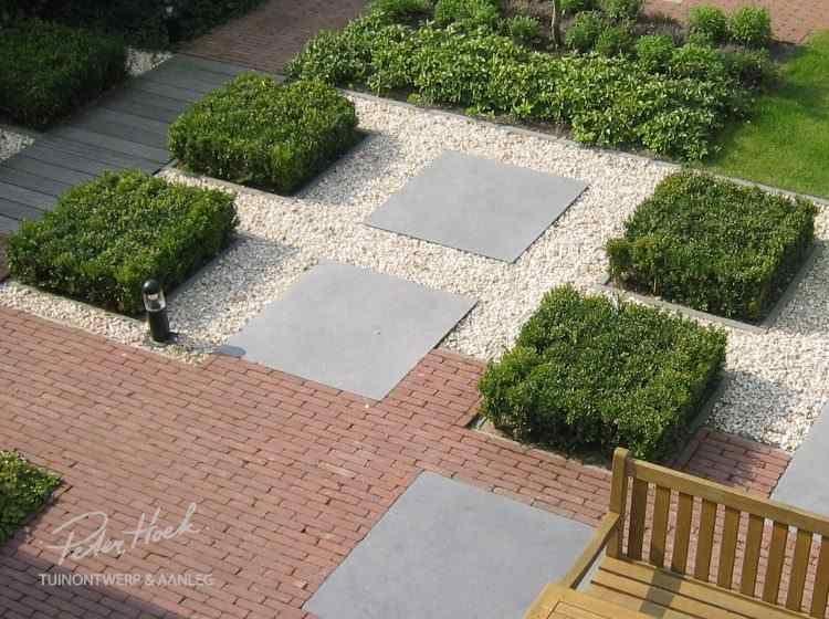 Tuin met gebakken klinkers en natuursteen tegel peter hoek tuinontwerp mooi bestrating - Kleine designtuin ...