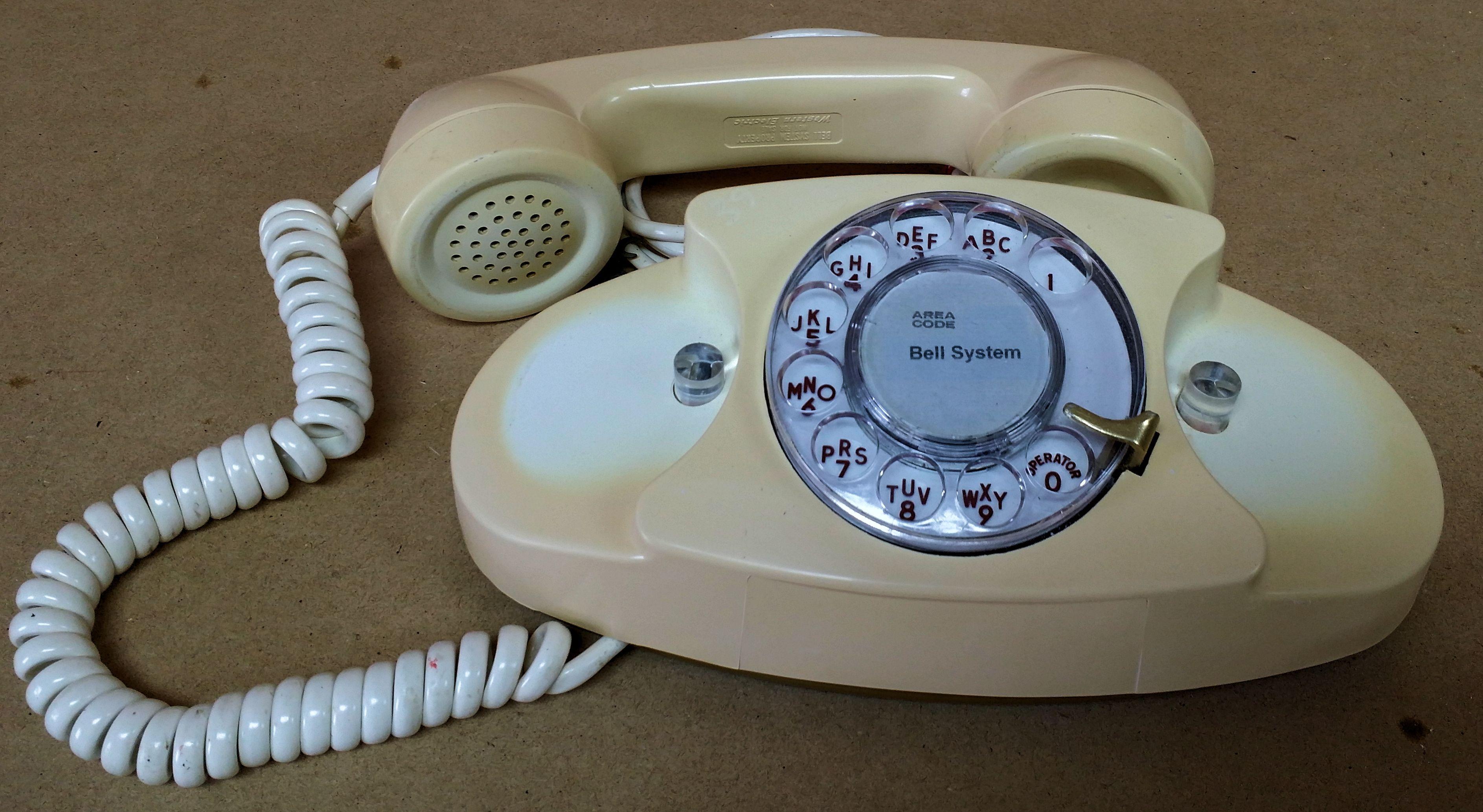 Western Electric Ivory Princess Telephone Set Rotary Dial Phone Telephone Handset