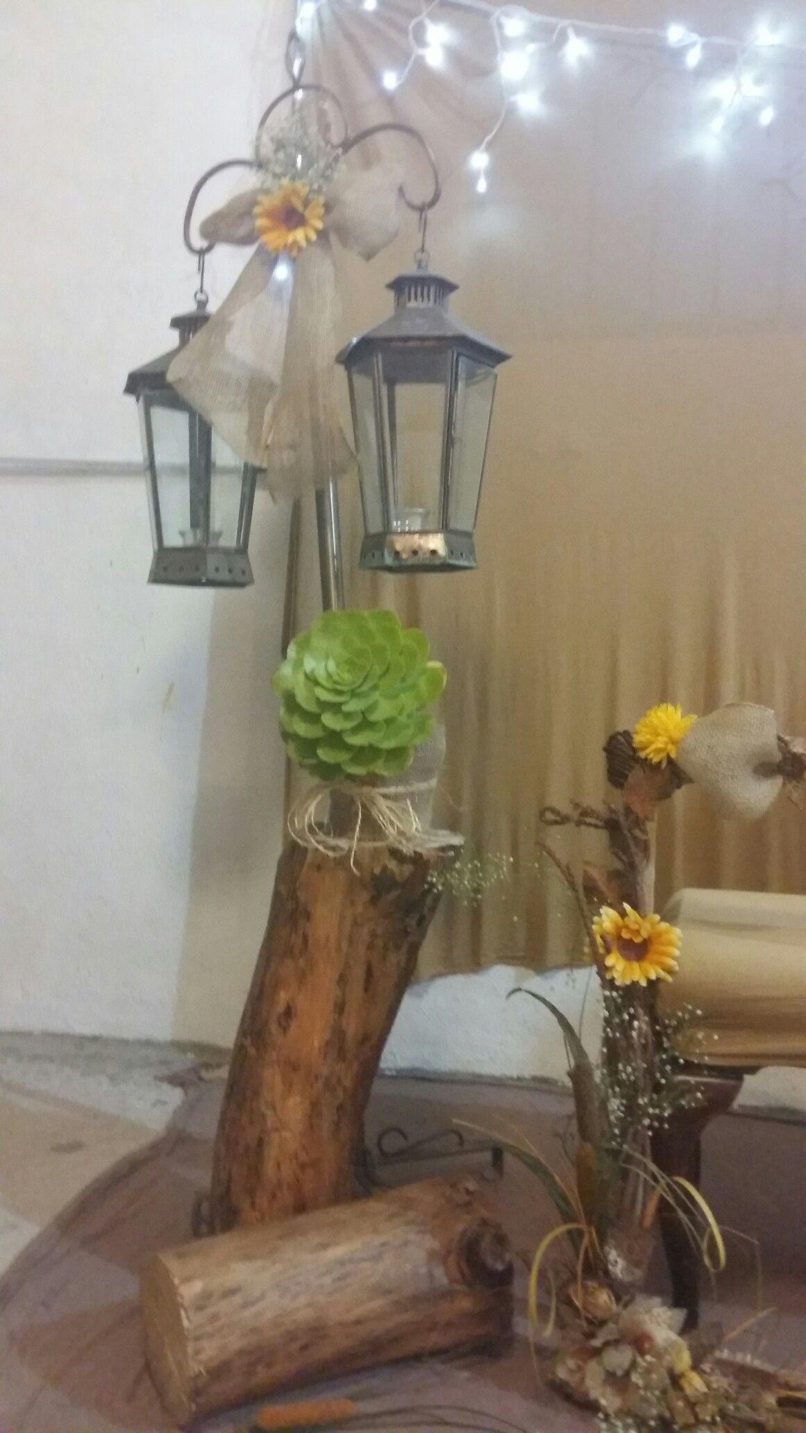 Troncos decorados con flores