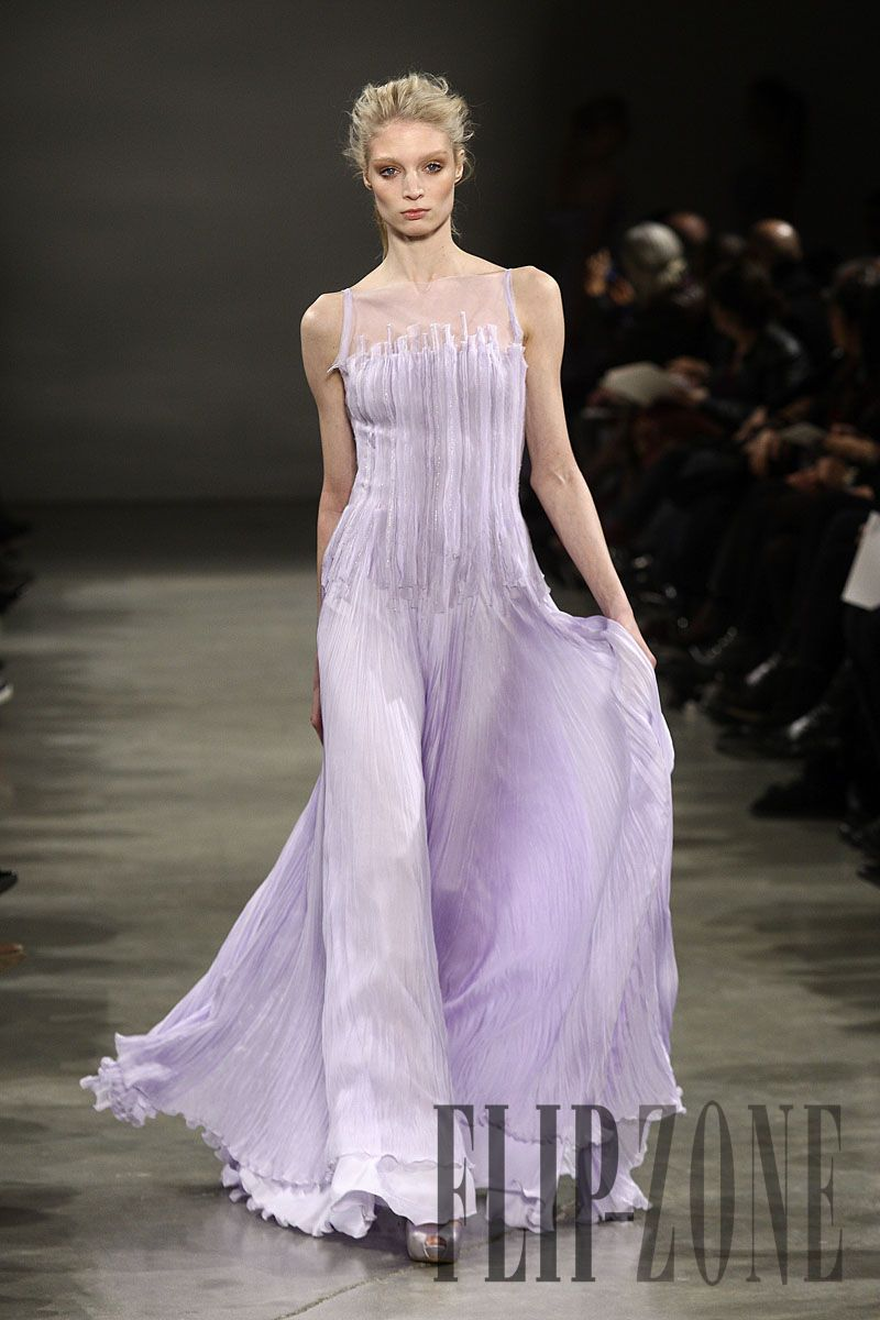 Georges Hobeika Spring-summer 2011 - Couture - http://www.flip-zone.com/georges-hobeika-2133