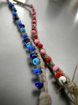 bracelet ficelle tressée et perles cousues (adapter si besoin en version plus élégante ) - El hada de papel