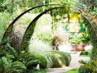 Love This Idea For A Contemporary Garden Arch Small Garden Design Metal Garden Gates Garden Arches