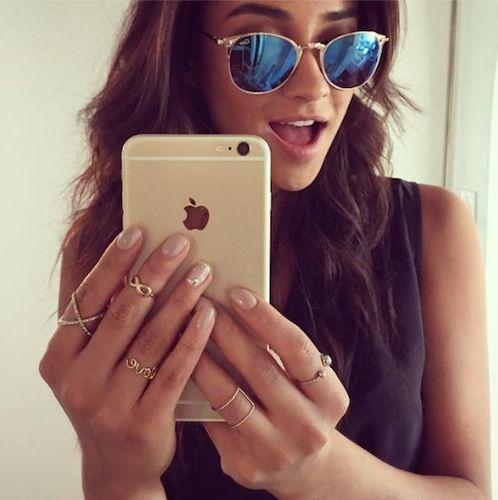 Selfie. Just an iPhone selfie   PrettyLittleLiars   Spotted    Pinterest