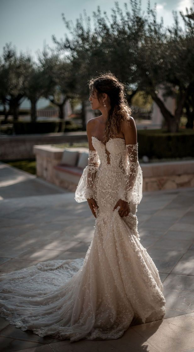 Best Wedding Dresses to Swoon Over Stunning wedding dresses with amazing details, lace wedding dress,long sleeves wedding dress,deep plunging neckline wedding dress,heavy embellishment wedding dress #weddingdress #weddinggown