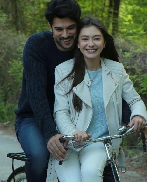 Pin By Jessica Liceth On Kara Sevda Cute Love Couple Images Actors Turkish Actors