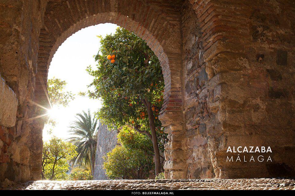 Alcazaba #Málaga Síguenos en facebook  http://on.fb.me/1TwVfva