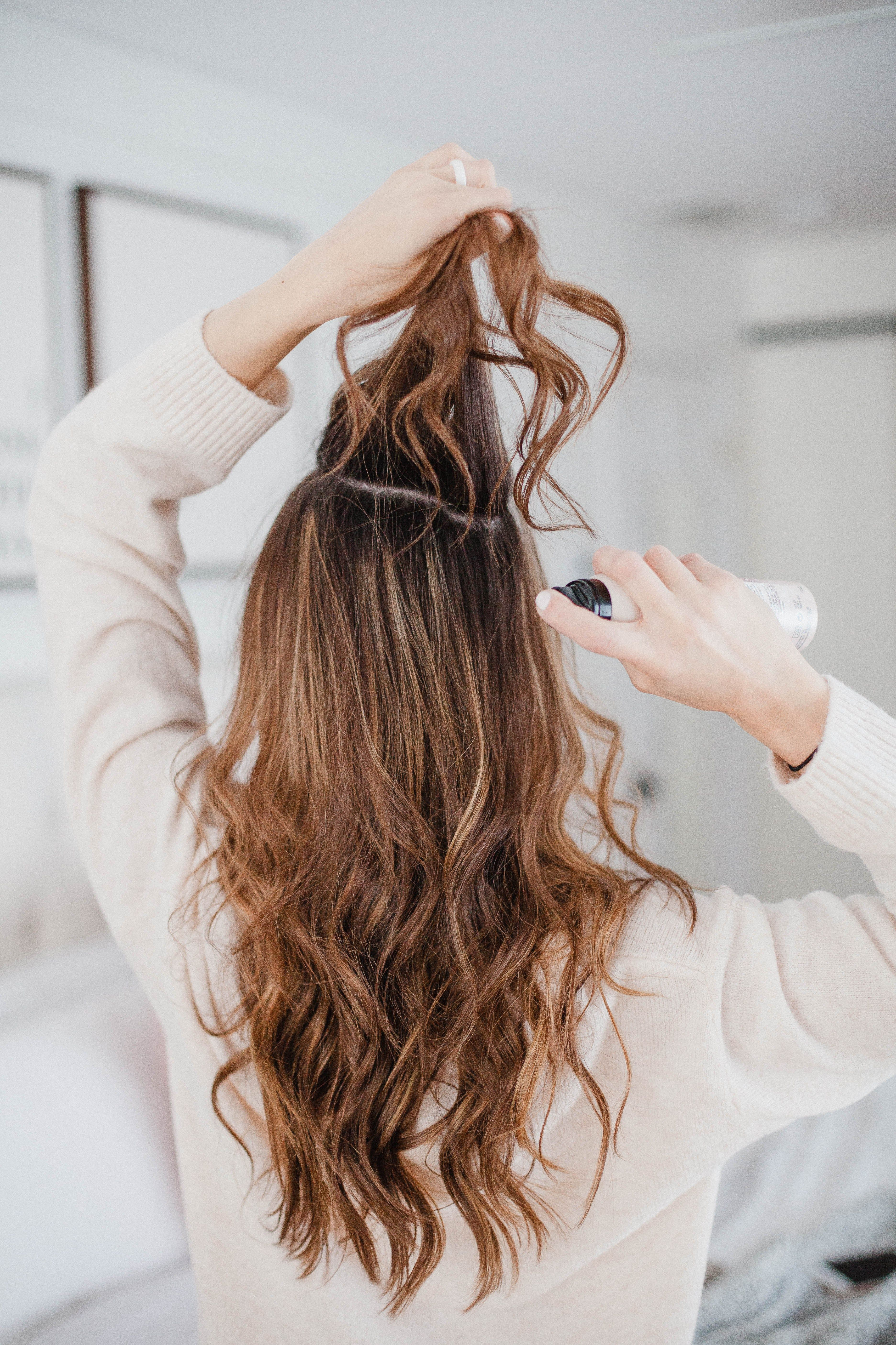 How To Use Dry Shampoo And The Best Dry Shampoo Ever Lauren Mcbride Best Dry Shampoo Using Dry Shampoo Curly Hair Styles Naturally