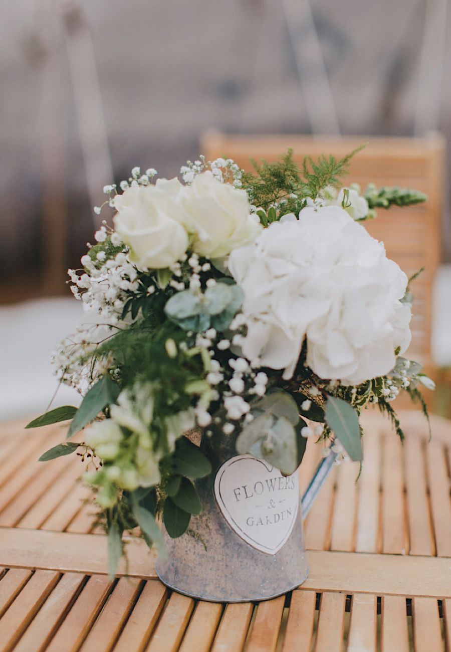 Simple Rustic Wedding Flowers Photography Tori Hancock