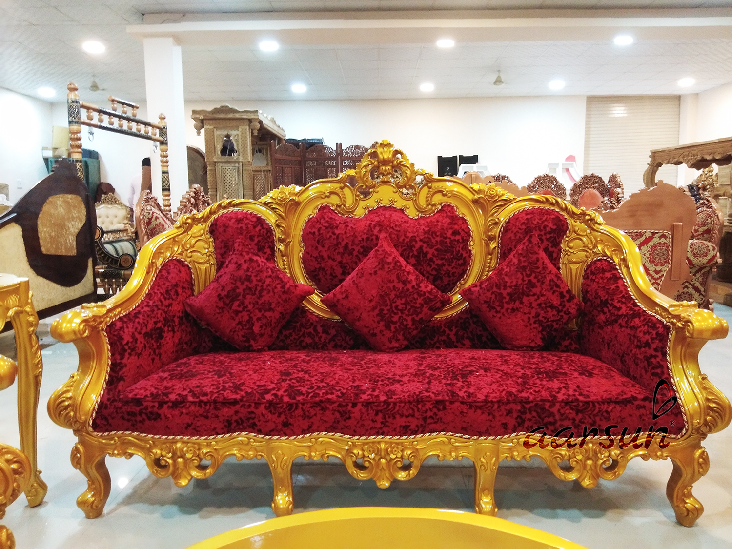 Gold Finish Royal Look Sofa Set Yt 108 Victorian Style Sofas Sofa Set Royal Furniture