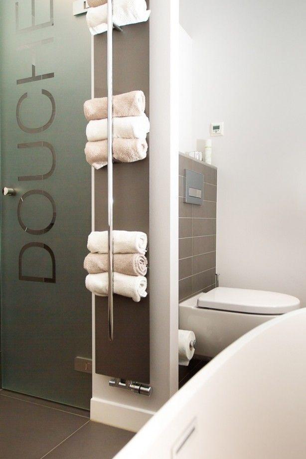 Handdoeken opbergen in de badkamer, leuk idee | Handdoeken ...