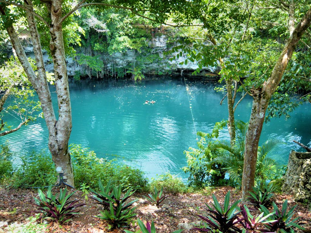 Dudu blue lagoon cabrera dominican republic favorite for Piscinas naturales
