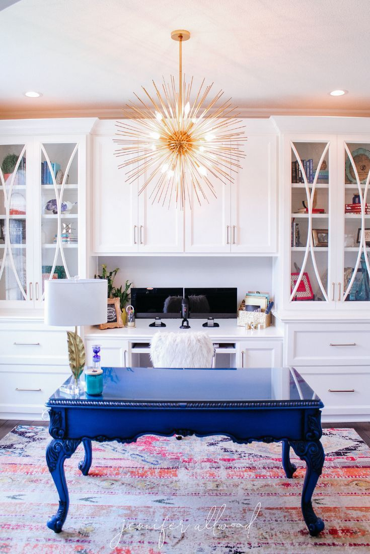 Info's : Comfy Glam Feminine Home Office Makeover by Jennifer Allwood | Office Built-ins || Home Office Decor Ideas | Home Office Design | Home Office Organization | Home Office ideas for Women | Blue Painted Desk | Home Office Lighting | Home Office Bookcases | #homedecor #office #officedecor #diyhomedecor #decoratingideas #homeoffice