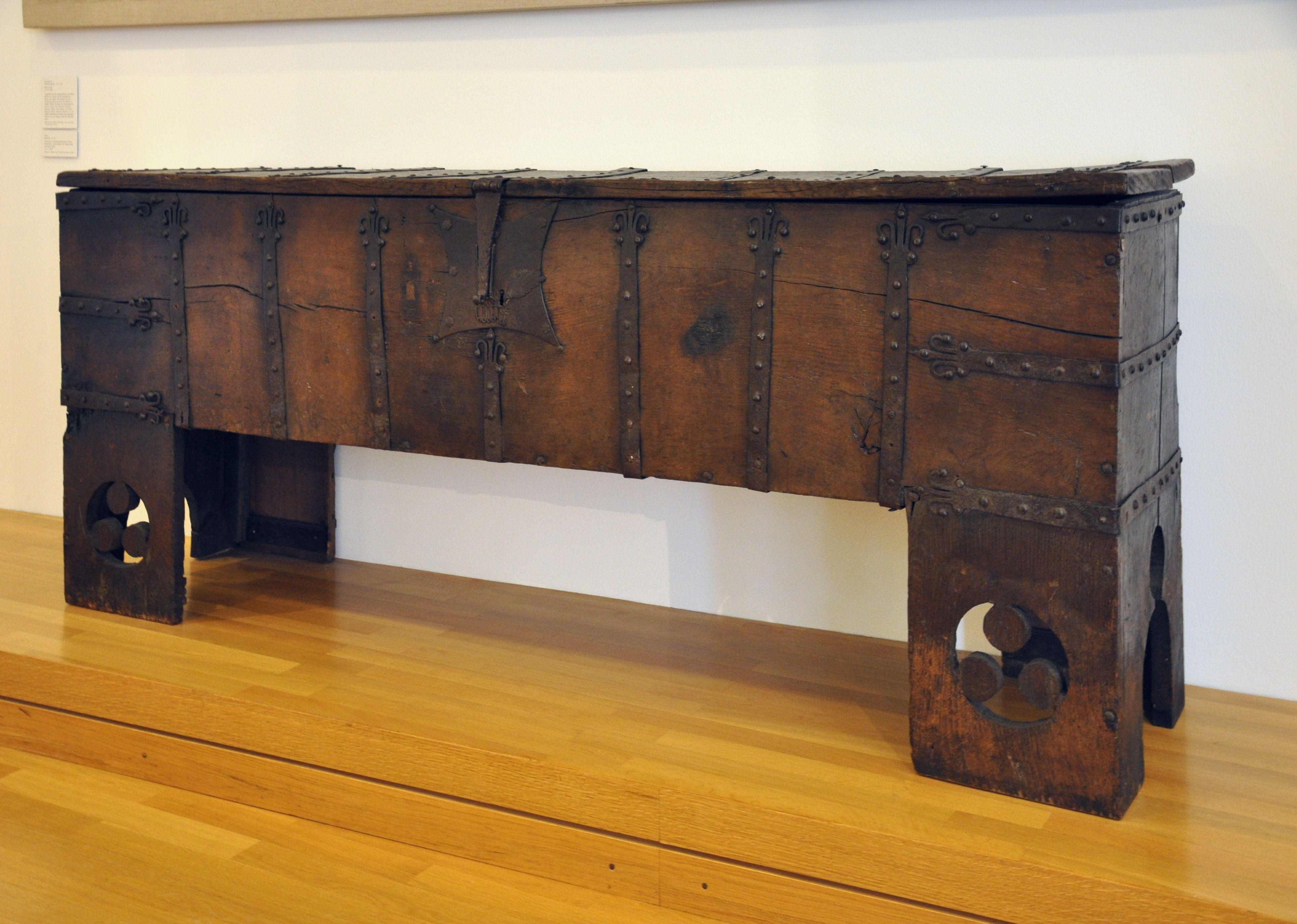 truhe museum f r angewandte kunst frankfurt. Black Bedroom Furniture Sets. Home Design Ideas