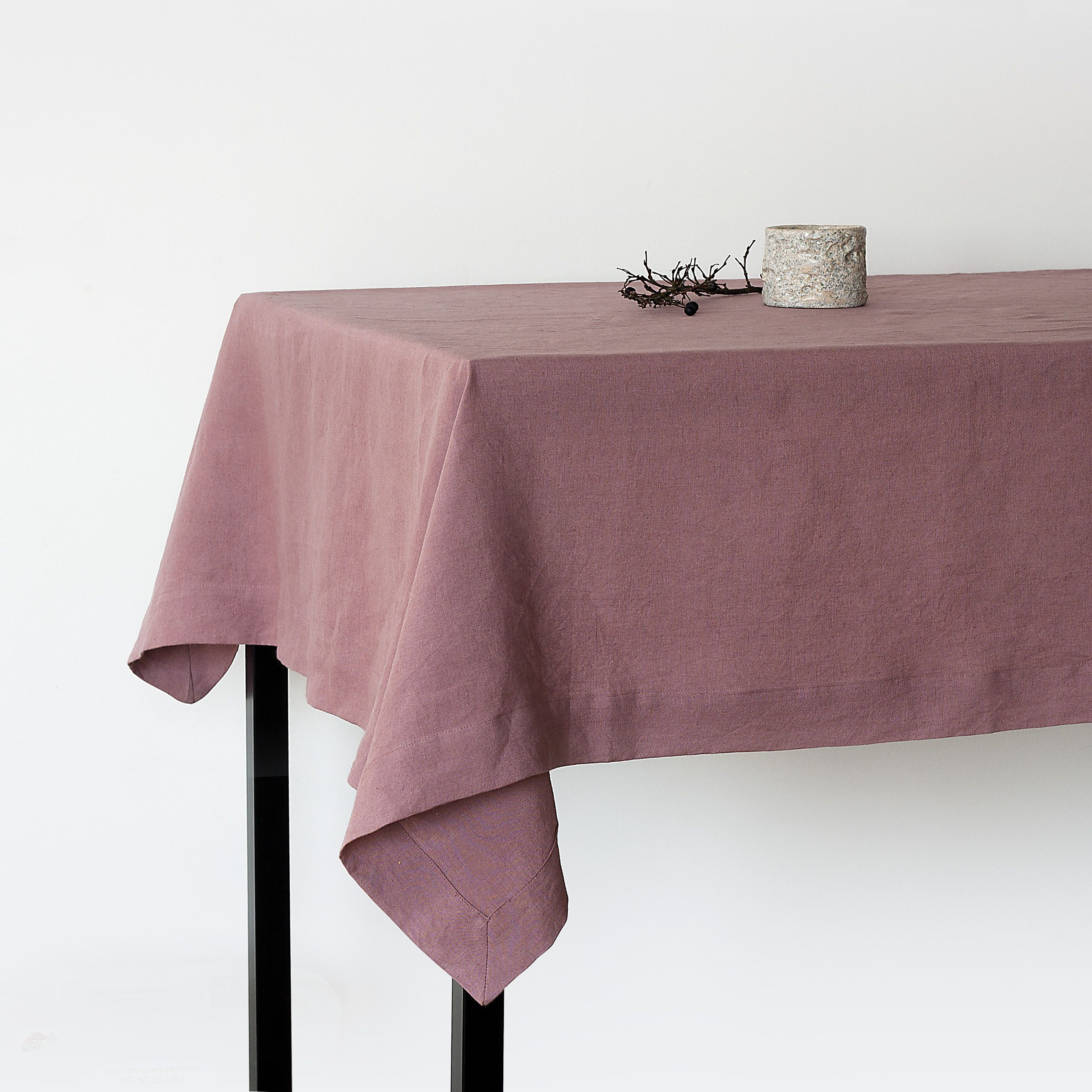 Dusty Rose Linen Tablecloth Soft Linen Tablecloth Linen Handmade Table Cloth Modern Design Homeware Natural Table Linens Sustainable Gift Simple Table Settings Simple Table Table Settings Everyday