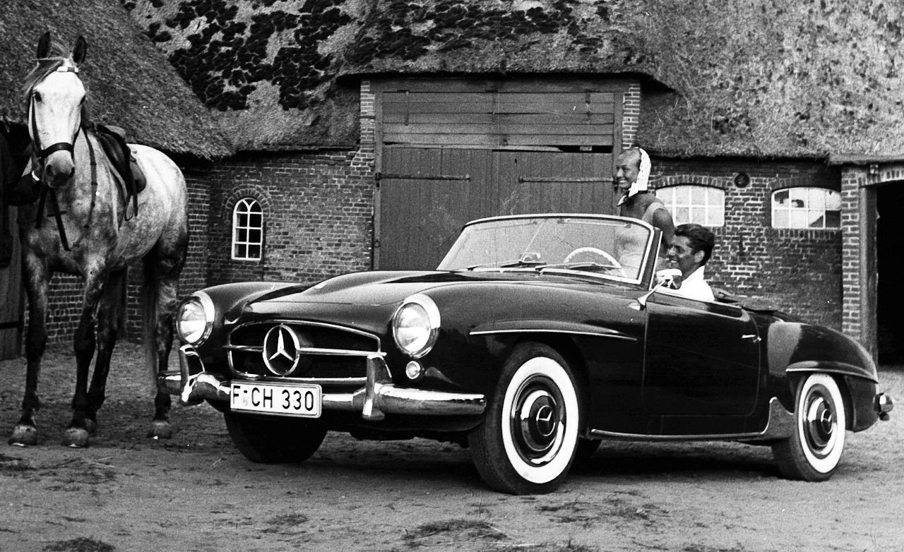 Mercedes Benz #190SL. Found on: http://www.autoblog.pt. For all your Mercedes Benz #190SL restoration needs please visit us at http://www.bruceadams190sl.com. #BruceAdams190SL.