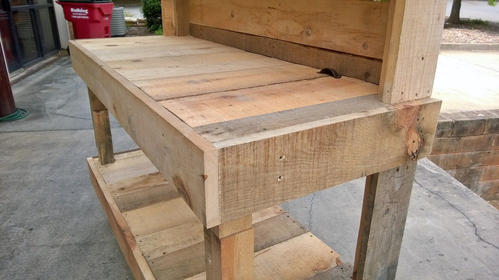 An upcycled garden work bench that I made out of pallet ...