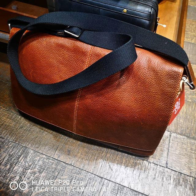Top Item on my #Wishlist is the #Leather #laptop bag for my day to day use! #LifeGoals #TheLifesWay #Photoyatra #AashishRaiJain #Blogger #6yearsofthelifesway #vLogger @HuaweiZA #HuaweiP20pro #SeeMooore #LeicaTripleCamera #ProductReview #TheLifesWayTravels #TheLifesWayReviews #LeatherBags #Guess #Polo #Johannesburg #SouthAfrica #walkingwithcamera #photographerwithpassion #instagrammer  #mobilePhotography #Bagpacks #MessangerBags www.thelifesway.com