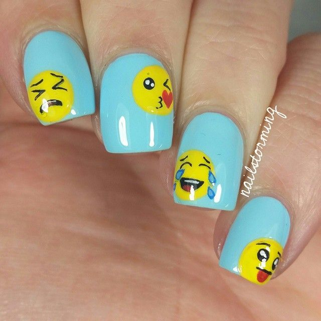 Emoji nail art | hair and style | Pinterest | Diseños de uñas, Arte ...