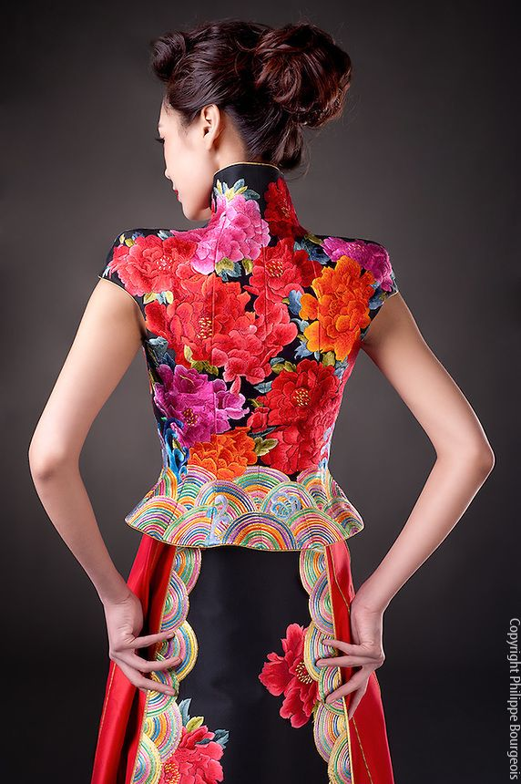 43170b3f1 Guo Pei 2012 Fashion Collection | GUO PEI in 2019 | Fashion, Guo pei ...
