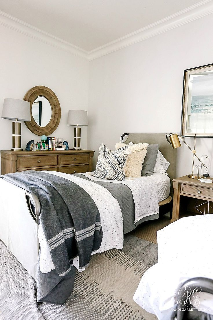 3 Ways to Style a Quilt images
