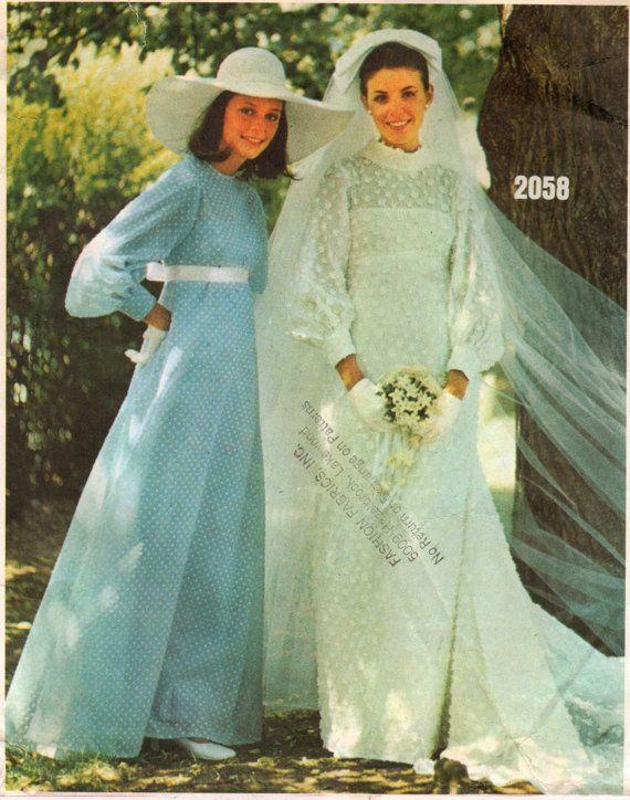 Vintage 60s Vogue Bridal Design Pattern 2058 Womens Brides And Bridesmaid Dress