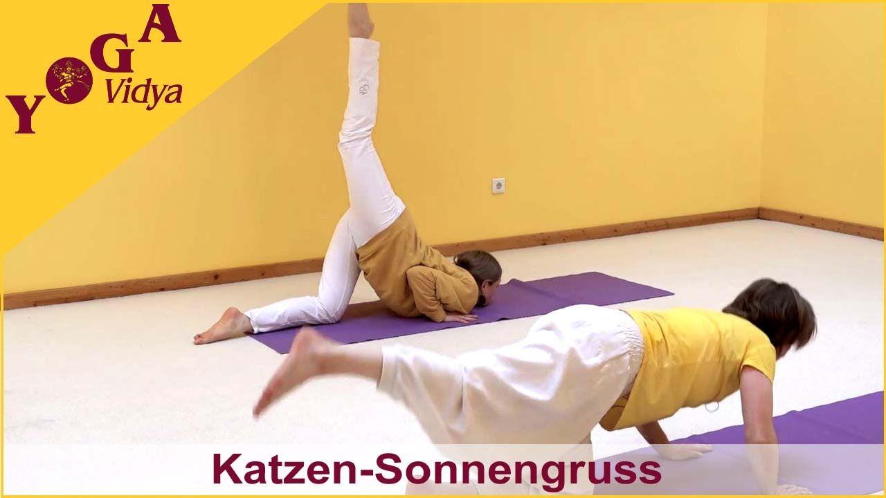Katzen Sonnengruss Mit Vani Devi Und Ananta Sonnengruss Yoga Vidya Yoga Kurse