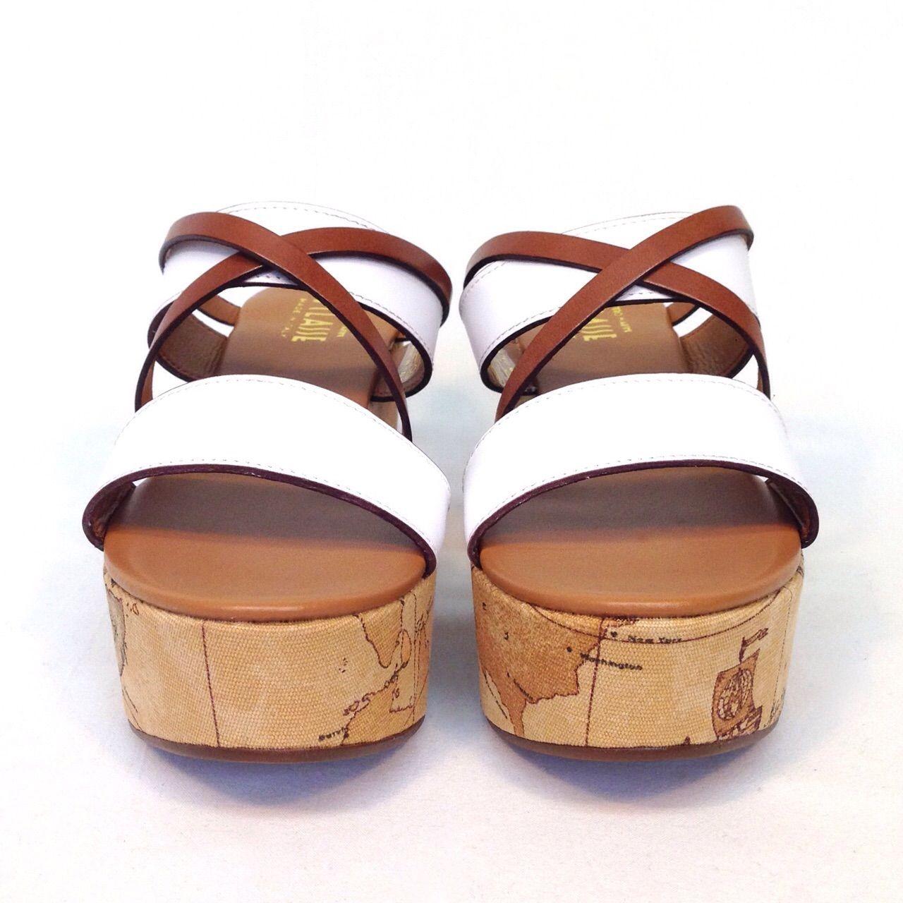 aad787e8beb451 shoes | scarpe | moda | fashion | 1°Classe, Alviero Martini - Sandali con  zeppa rivestita in tessuro geo, primavera/estate 2015