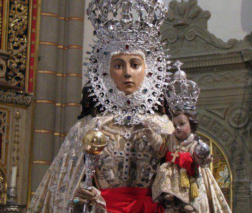 Brotó una Fuente Santa: Nuestra Señora de la Fuensanta, España  13 de marzo y 2do dom. de septiembre http://forosdelavirgen.org/585/nuestra-senora-de-la-fuensanta-de-murcia-espana-13-de-marzo/