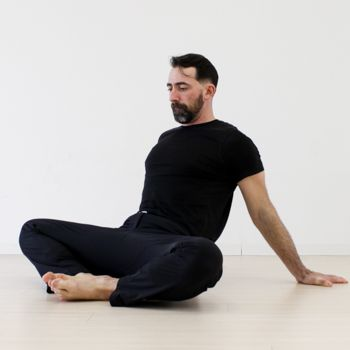 daily hip mobility routine to loosen you up  hip flexibility