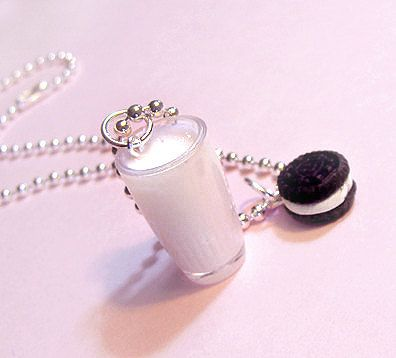 This would make an amazing friendship necklace!!!!