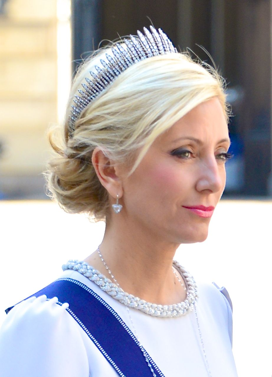 Marie-Chantal,_Crown_Princess_of_Greece.jpg (922×1280)